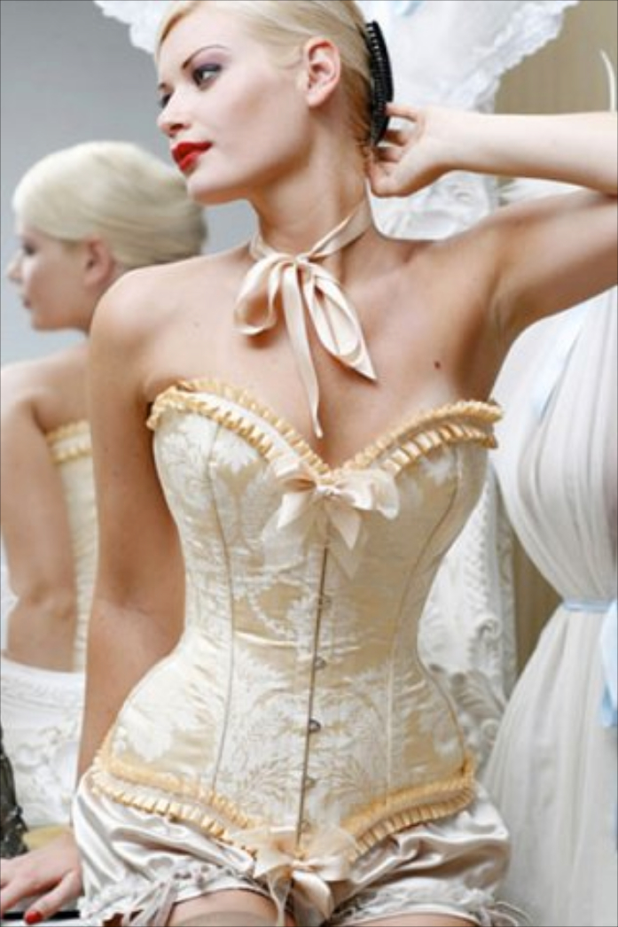 Longe demais das capitais cosse couture for Couture a wod